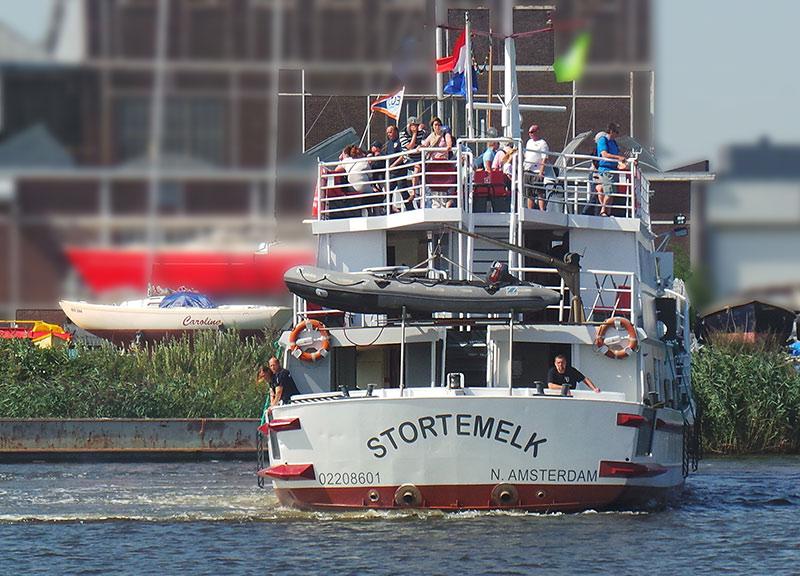 Achterkant-partyboot-Stortemelk