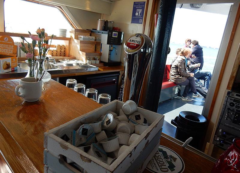 Bovenbar-locatie-partyboot-amsterdam