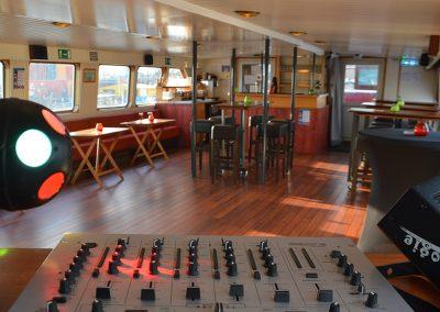 boven-salon-partyboot-Stortemelk-Amsterdam