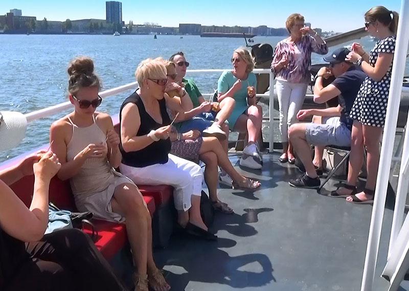 buitendek-partyboot-stortemelk