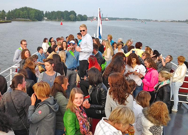 Boot huren voor bedrijfsfeest amsterdam