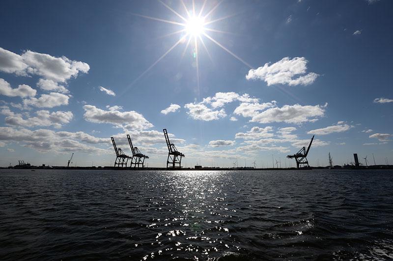 boottocht rondvaart haarlem over het IJ langs Amsterdamse Havens