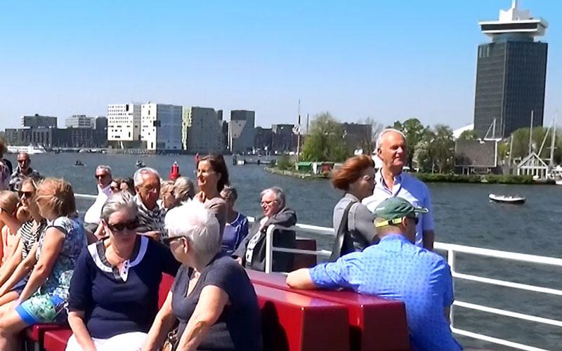 Rondvaart boottocht IJ Amsterdam A'DAM Toren
