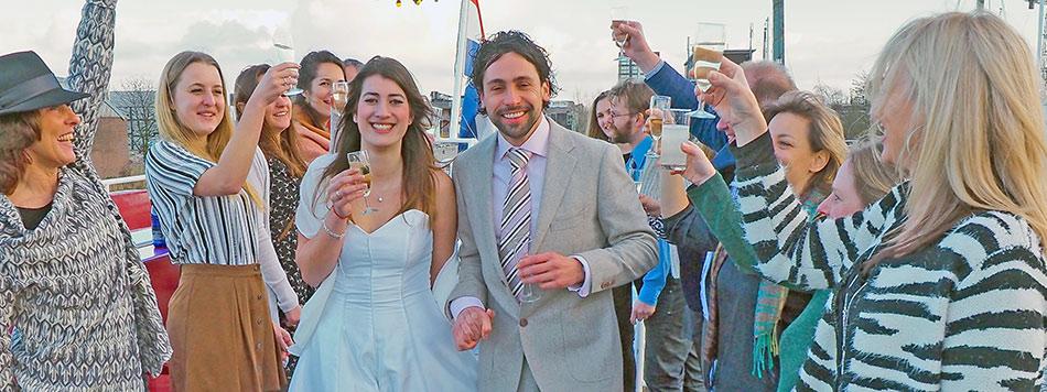 trouwen in gemeente amsterdam op een boot