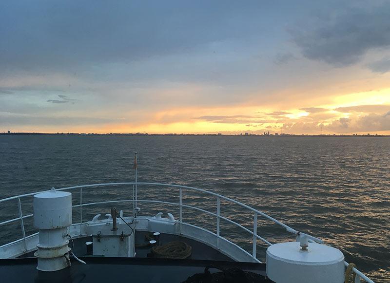 ondergaande-zon-boottocht-hoorn
