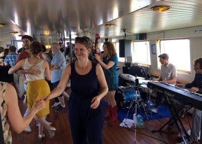 Dansfeest bovensalon boot Stortemelk