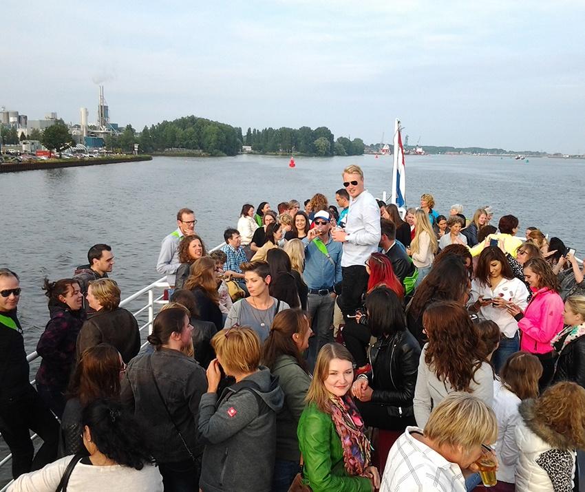 Bedrijfsfeest op boot Amsterdam